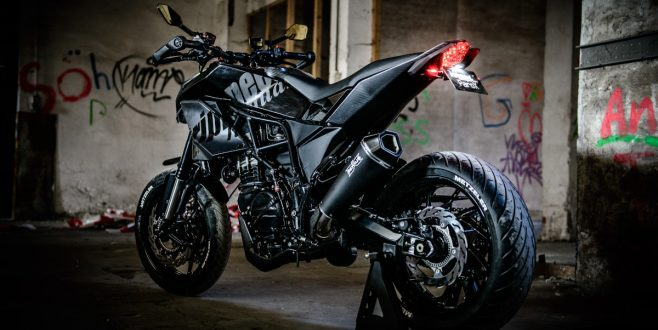 Hyperaktive Supermoto als Modern Fighter